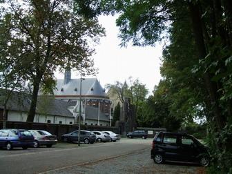 http://www.erikrombouts.be/Kluizerdijk/achelsekluisbuiten.jpg