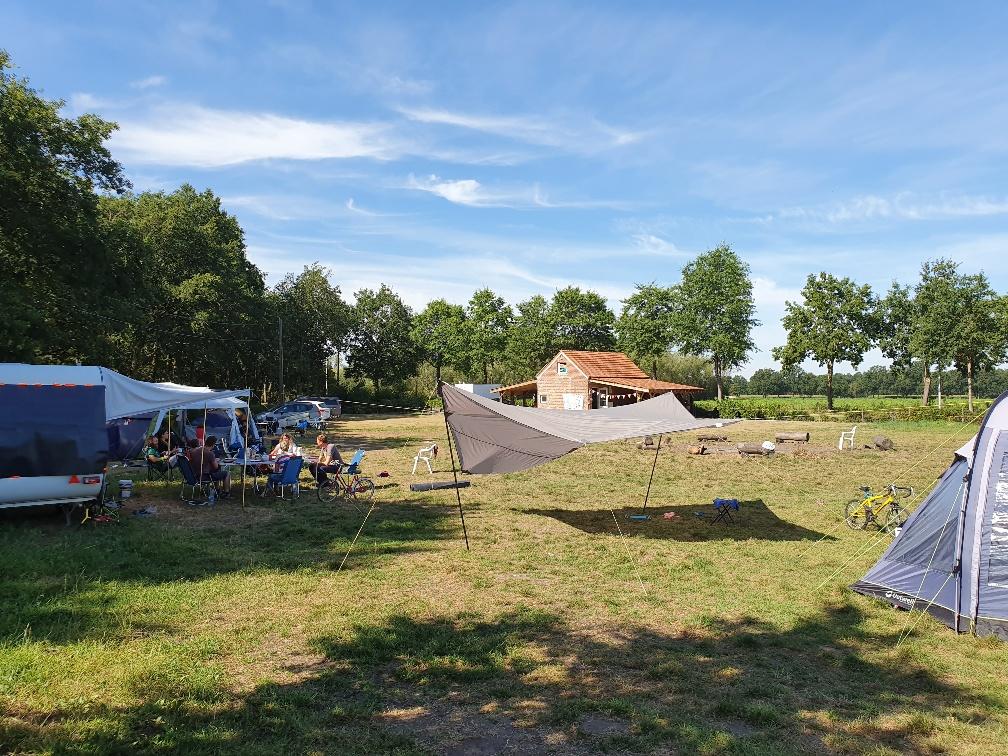 http://www.erikrombouts.be/Kluizerdijk/tents.jpg